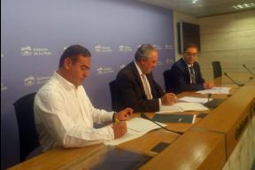 Firma Convenio de colaboración con la Consejería de Salud.